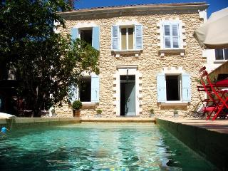 In Avignon, Beautiful House with Pool and Garden,