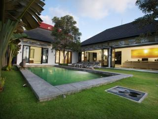 SHREYA- Canggu' most magical rice field view Villa