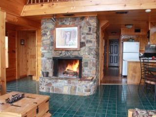 Peckerwood Knob Sunrise Cabin; Mntns of SE Oklahom, Smithville