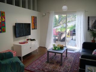 Modern Red Oak Cottage in Los Angeles 6 ml to DTLA, Los Ángeles