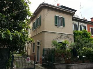 Lincoln garden townhouse for 5 in Milan center
