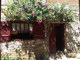 Stone House rental in Sao Thomé das Letras- Brasil, Sao Thome das Letras