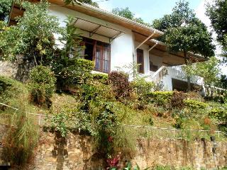 Kandy Hilltop Bungalow