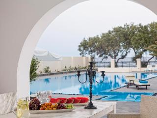 Santorini Beachfront Villa with Swimming Pool  - Villa Calliope, Firá