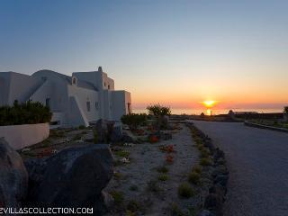 Amberoid - Luxurious 220sqm villa in Santorini