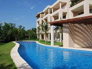 Affordable Paradise in a Lovely and Quiet 2 BD Condo  - Close to the Beach!, Puerto Aventuras