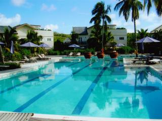 3 Bedroom Townhouse in beautiful beachfront condo., Gros Islet