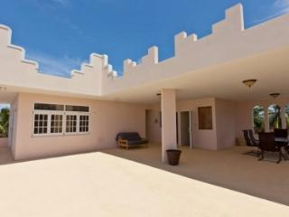 Elegant Beachfront Home, Luquillo