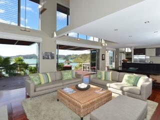 Wharekaha Absolute Waterfront