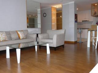 3 Bedroom Apartment in Downtown Bangkok - Sathorn