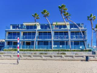 ***WOW, Ultimate OCEAN FRONT Beach Home***, San Diego