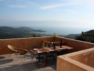 Apartment in Villa, Cap Corse, Superb Sea Views, Tomino