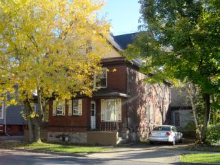 Great Gorge Guesthouse - 10 Minute Walk to Falls, Cascatas do Niagara