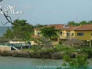 Le Mer Oceanfront Villa, Lucea