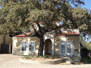 Mediterranean House, Excellent Location, Furnished, San Antonio