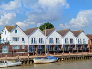 RIVER VIEW, first floor apartment, romantic retreat, walking distance to town amenities, in Rye, Ref 27218