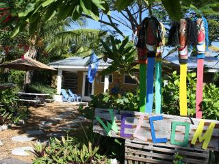 Duplex with 2 Efficiencies located 50 yards from ocean $750 -$875/week, Unit 9, Grassy Key