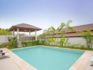 Villa Lotus - Luxury 3 bedrooms Pool Villa Short Walk to Beach, Choeng Mon