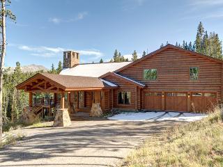 New Luxury Log Home on 6 Acres 2 miles to Peak 8, Breckenridge