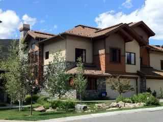 Luxury home - Newly furnished & painted, Sun Valley