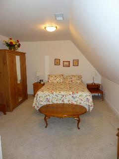 Bedroom #2 - upstairs Queen + twin