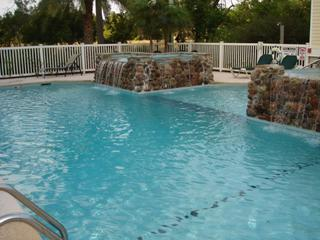 Fab 2 or 3 Bdrm Condo on St. Simons!  Pool!  Unit 100 Bldg 120 Shadow Brooke, Isla de Saint Simons