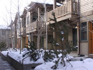 Deer Valley Condo with Hot Tub, Steps from the Bus