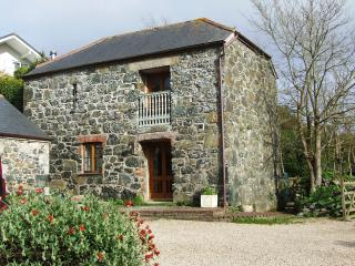 Traditional stone cottage, 10 minutes to the sea, Mullion