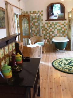 Upstairs room, looking towards bath