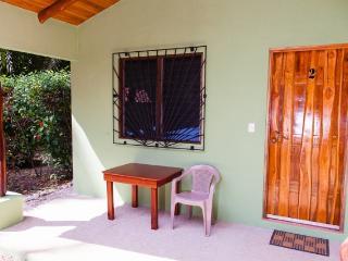 Unidad 2 / Casa Rosada Nosara / Playa Guiones