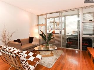 Sydney City Pet Ok Executive Style Apart Sleeps 4