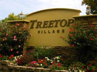 TREETOP VILLAGE is off HH 13 mm by water past lodge of Four Seasond Resort/three outdoor pools/tub