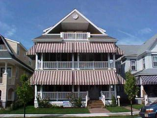 826 St. Charles Place 2nd and 3rd 113370, Ocean City