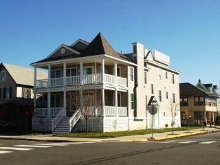 363 Asbury Avenue 2nd Floor 112279, Ocean City