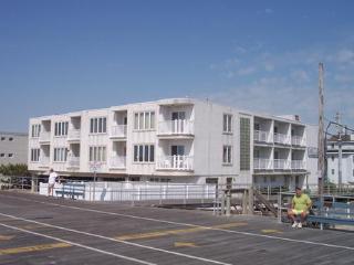 1401 Ocean Ave.- Beaches Unit **********