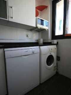 electrodomésticos imprescindibles: lavaplatos, lavadora, secadora...