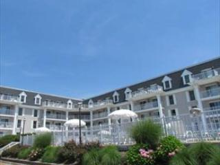 Beachfront Condo Pool and Balcony 92559, Cape May