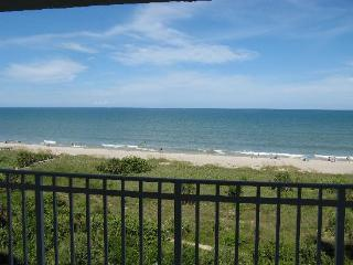 Discovery Beach Direct Oceanfront Resort in Cocoa Beach