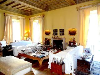 In Rome, an Aristocratic, 3 Bedroom Apartment in an Elegant Historic Palace near
