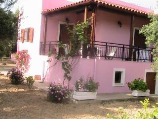 Villa Athina,holidays in Cretan nature!, Rethymnon