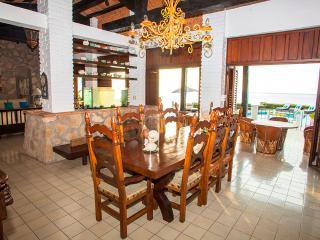 4 BR Villa at exclusive location in PV