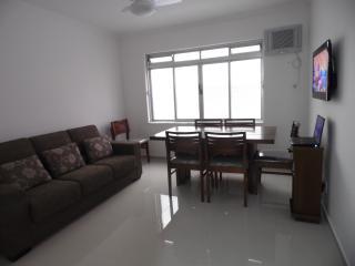 Ótimo apartamento quase na esquina da avenida da praia-3 quartos, Santos