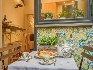 1 Bedroom Vacation Apartment in Florence, Tuscany