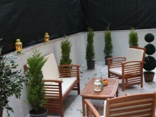 TAKSIM ULTRA VIP APARTMENTS-4 BEDROOM GARDEN SUITE, Estambul