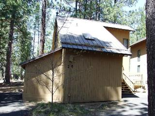 Cluster Cabin 14 - Exterior - Photo 2