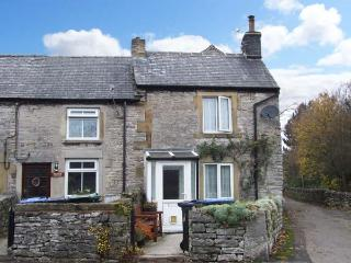 CORNER COTTAGE, woodburner, countryside views, pet friendly, in Bradwell, Ref. 903547, Hazlebadge