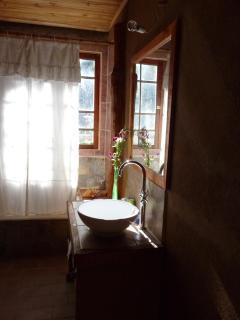 Main Bedroom. Bathroom