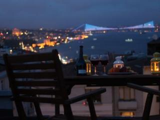 BEST KING SUITE OF TAKSIM - PANORAMIC SEA VIEW, Istanbul
