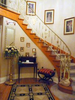 The Foyer........Welcome Home!