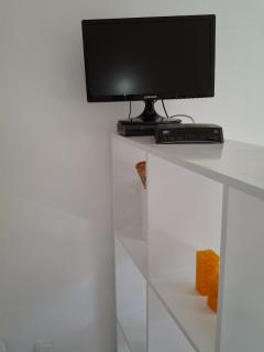 Cable TV and fast Internet Wi Fi